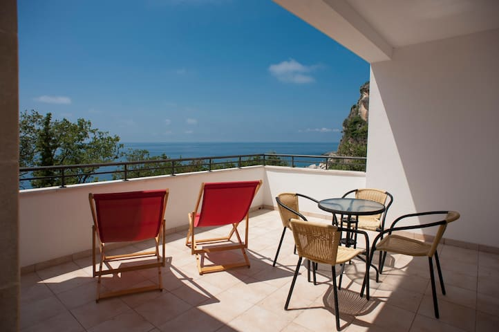 Duplex Apartment, 30 m from the sea