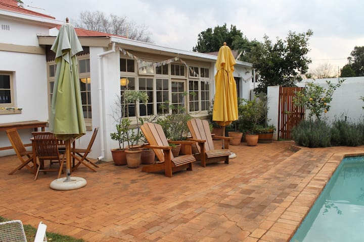 SPECIAL OFFER Historic Home near Hatfield Gautrain - Pretoria - House