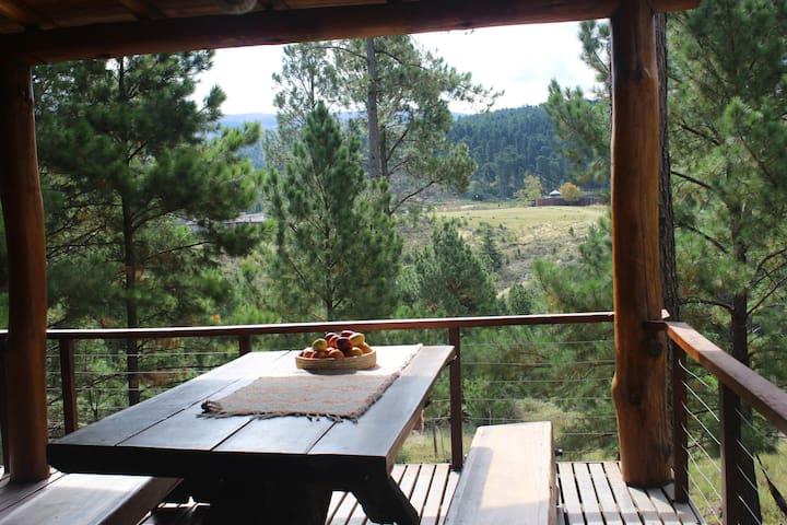 Cabaña El Portal, viñedos y rio