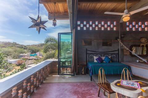 Cabin- cool wood design with big views, pool