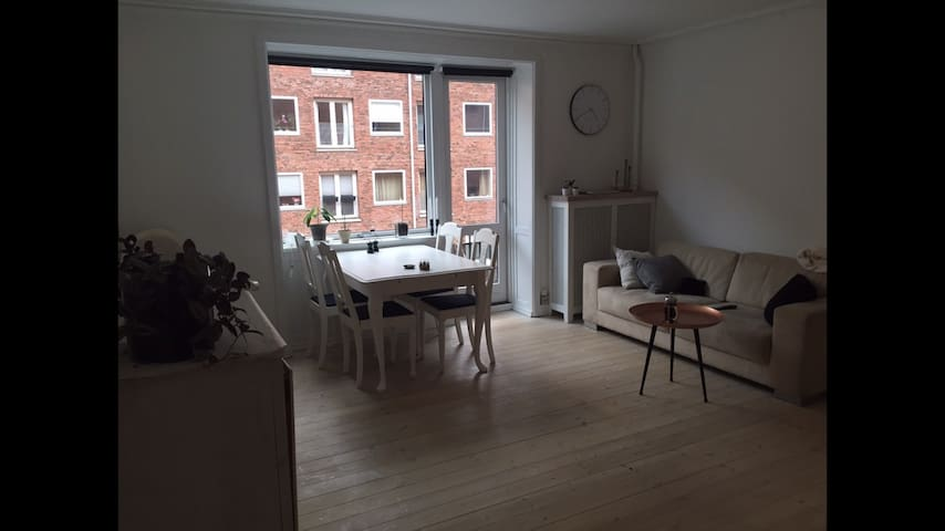 Cosy apartment with a small balcony - Copenaghen - Appartamento