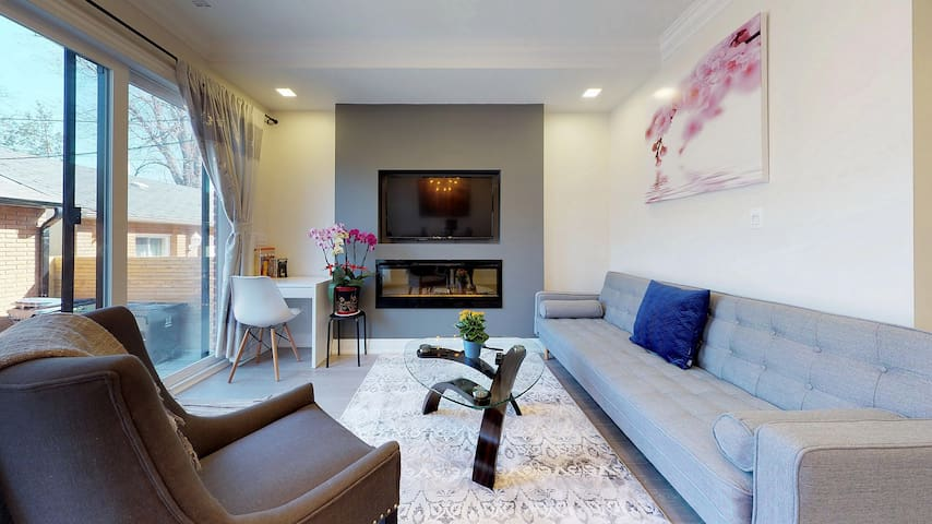 Prime location, 2 Bedroom in Little Italy