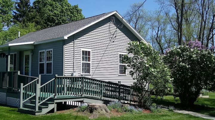 Cozy new 2 bedroom house near Ithaca