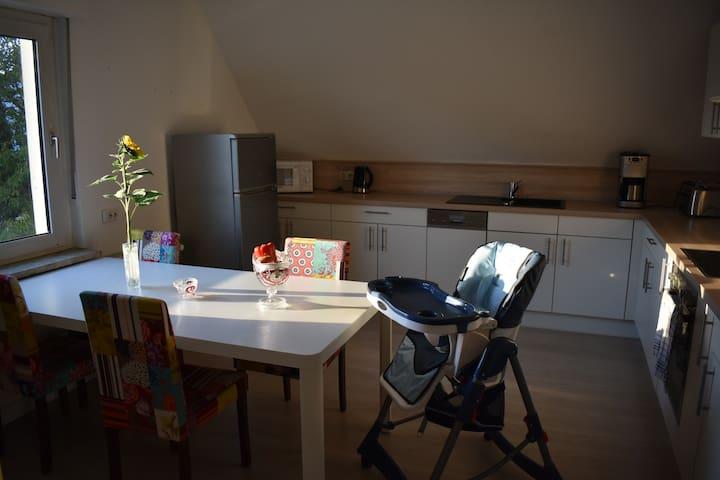 2 priv. Zimmer (Familienzimmer) PB-Wewer (30 qm)
