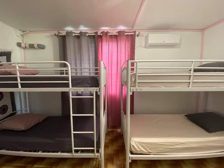 **NEW !! Dormitory girls 4 pax Hostel Deshaies**