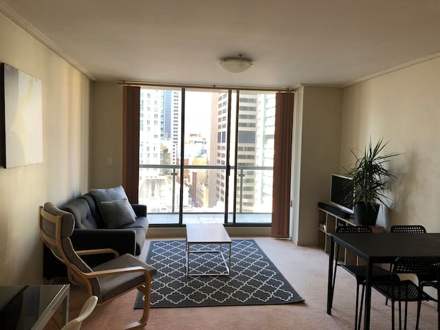 City Centre One Bed with balcony, pool & parking