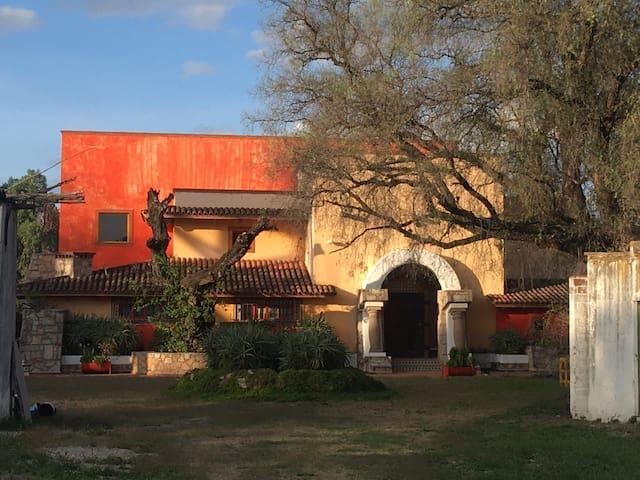 Antigua Granja El Cuino a 25 mins de Tequisquiapan