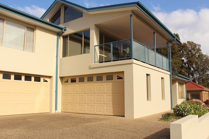 Casey's Beach Holiday Unit - Batehaven - Reihenhaus