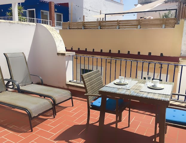 Attic with terrace for 2 people at Sitges centre - Sitges - Condominio