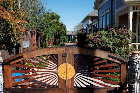 Cozy, artistic, garden studio. - Santa Cruz