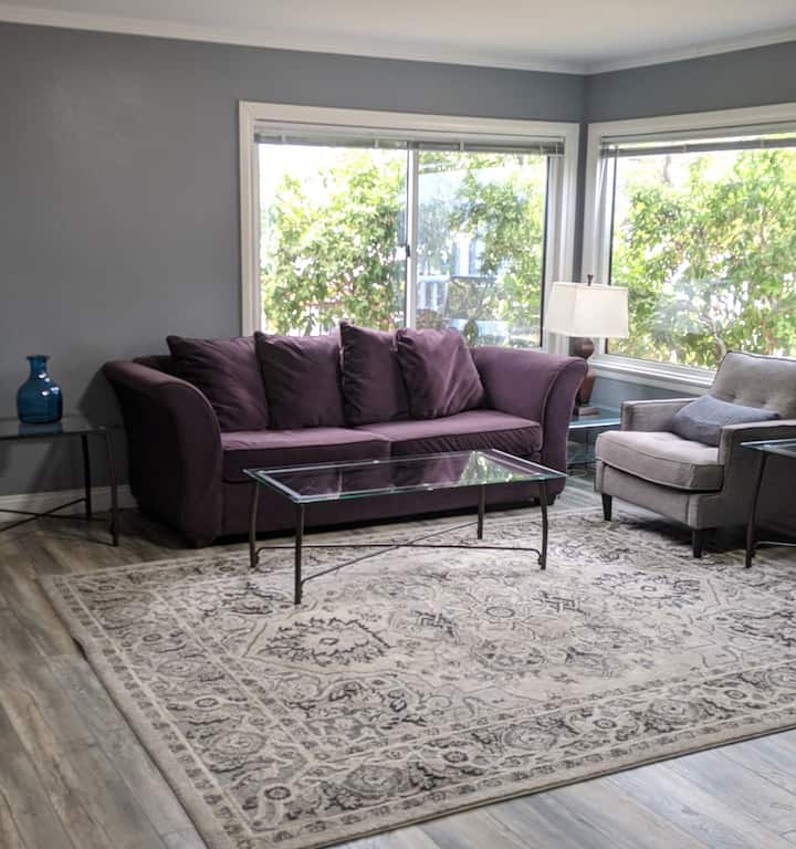 Bright and Cozy 2BR/1B House