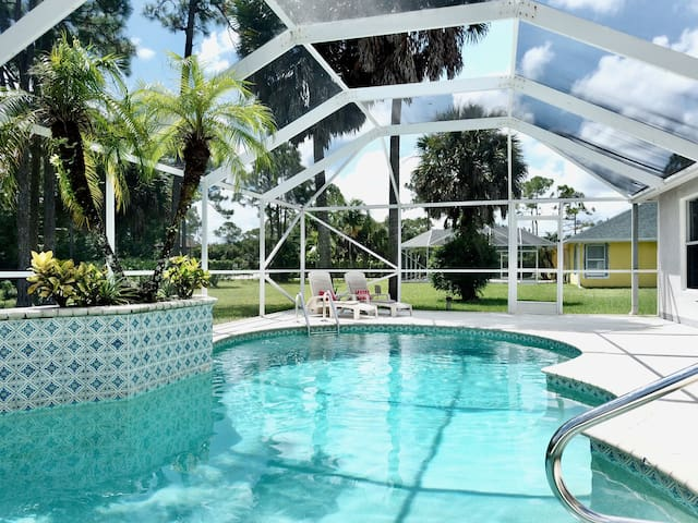 Beautiful home with pool - Acreage of Palm Beach