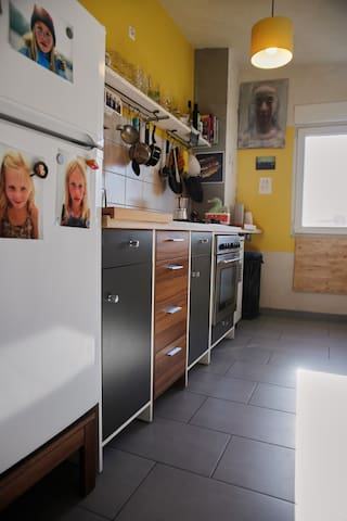 5 Zi Altbauwohnung für einen Monat - Karlsruhe - Apartamento