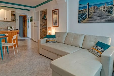 Stylish ground floor apartment in Pueblo Blanco