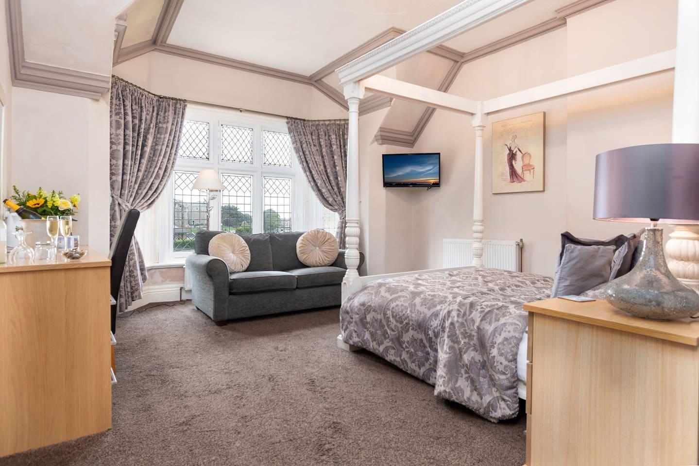 Luxury King Sized Room 2 (Romantic)