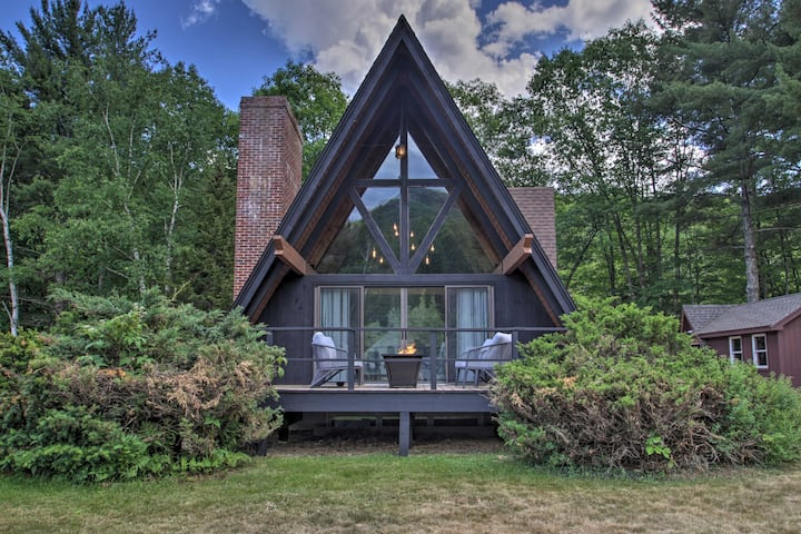 NEW! Riverfront A-Frame 5 Mi to Attitash Mountain!