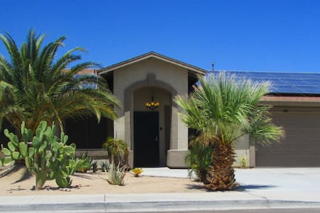 Beautiful Foothills pool home with boat parking!