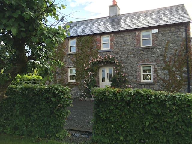 Hideaway at Foxhollow Farmhouse - Kells - House