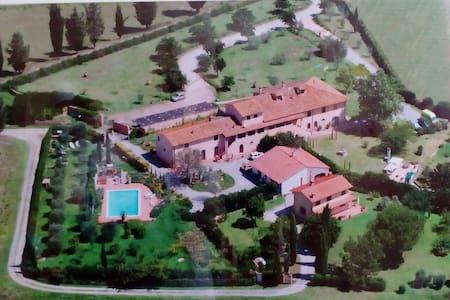 Casale Belvedere del settecentesco. - San Pietro Belvedere