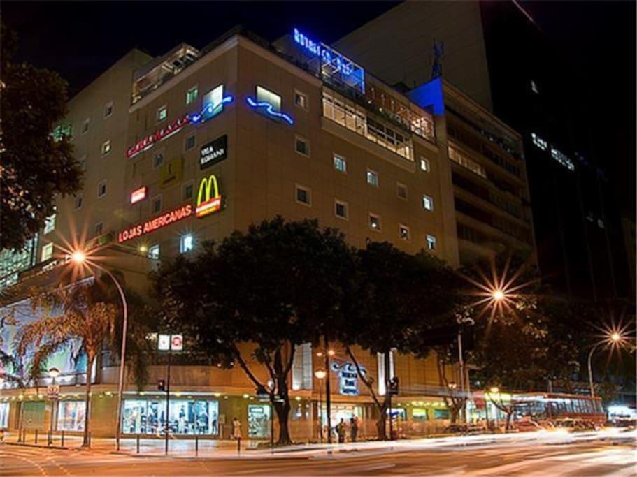 Shopping Praia de Botafogo na mesma rua!