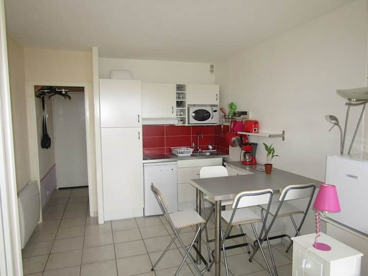 Studio ground floor for 2 peRS close to the beach