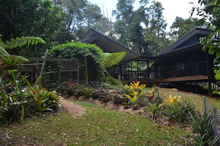 Chowchilla Rainforest Cottage - House