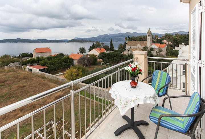 One bedroom apartment with balcony and sea view Lopud, Elafiti (A-12910-d)
