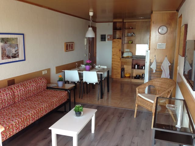 Cozy apartment near the beach HUTG-(PHONE NUMBER HIDDEN) - Els Griells - Huoneisto