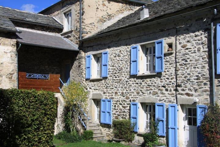 La Parenthèse 43, Le Puy/Yssingeaux - Saint Hostien - Huis