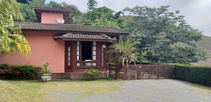 Casa em Itaipava com linda vista e hidromassagem