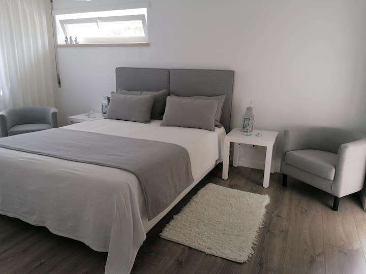 B&B Nazaré Zen Suite with private bathroom