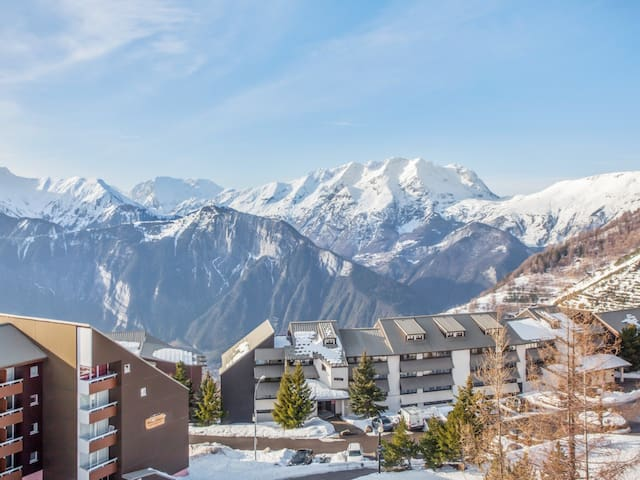 Sunny flat with an incredible view at the heart of L'Alpe d'Huez - Welkeys