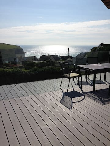 Stunning contemporary house with sea views - Mawgan Porth
