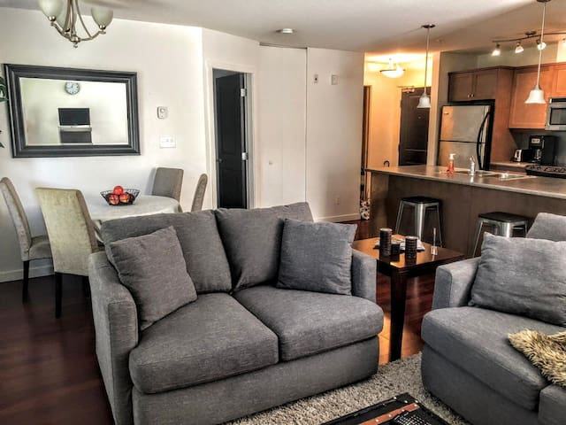 Downtown Nanaimo Executive Two Bedroom Apartment