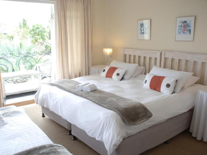 Your place to stay in Plettenberg Bay - Rm 1