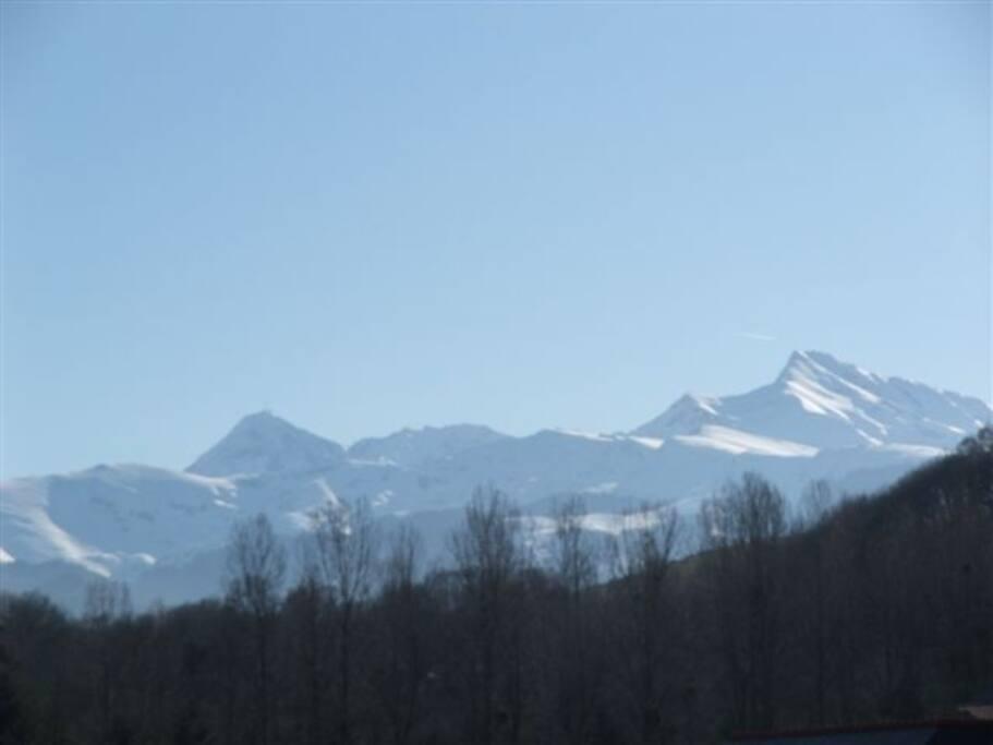 Vue Pic du midi et Montaigu