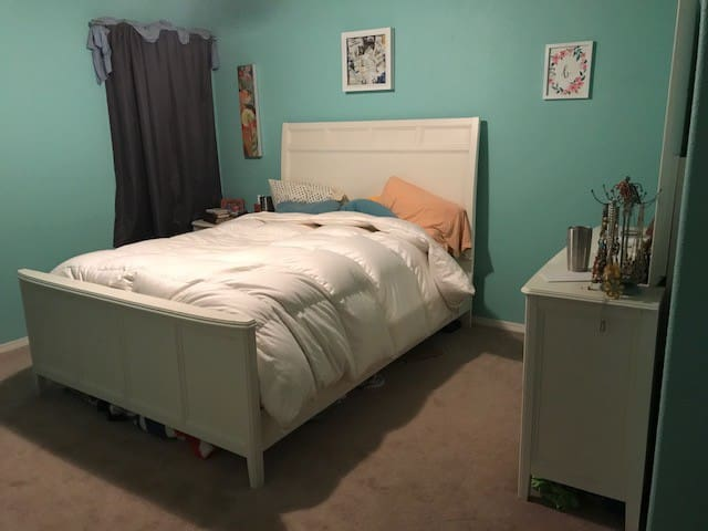 Master bedroom with queen bed, master bath with shower/tub and two vanities