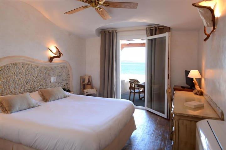 Chambre double avec douche à l'italienne et terrasse