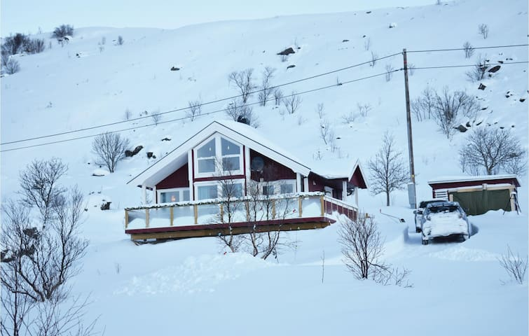Holiday cottage with 4 bedrooms on 92m² in Valberg