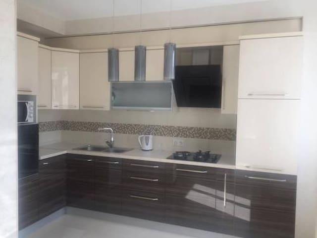 Nice, fully new designer space for you - Bishkek - Apartament