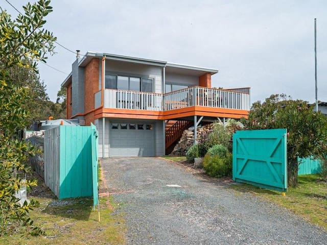 Modern 3 Bed, 2 bath, outdoor oven - Greens Beach - Ev