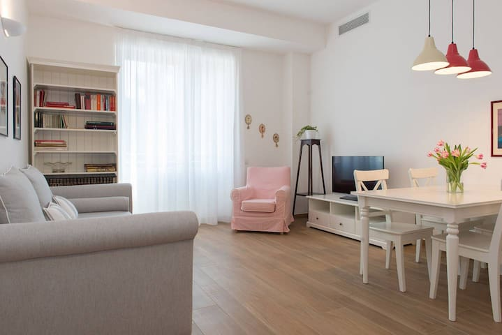 BRERA ROSSO - lovely and central apartment
