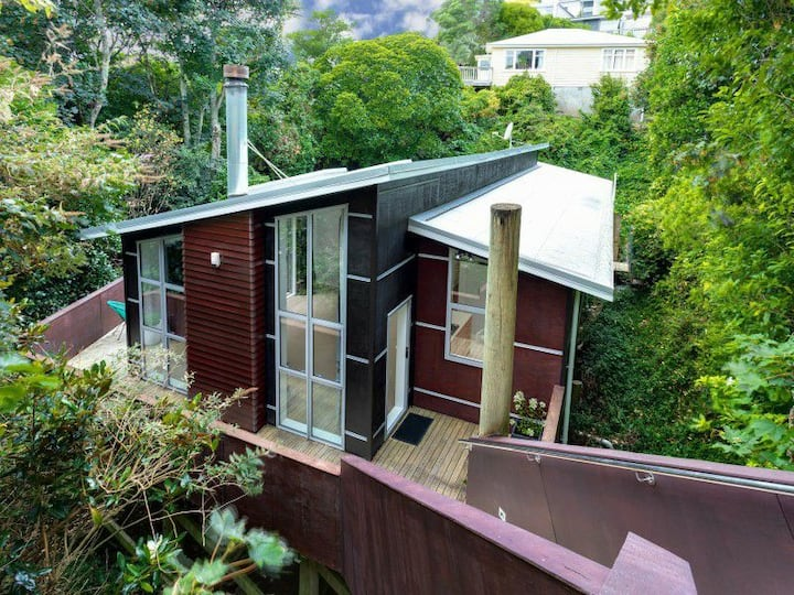 Contemporary home in the heart of Wadestown