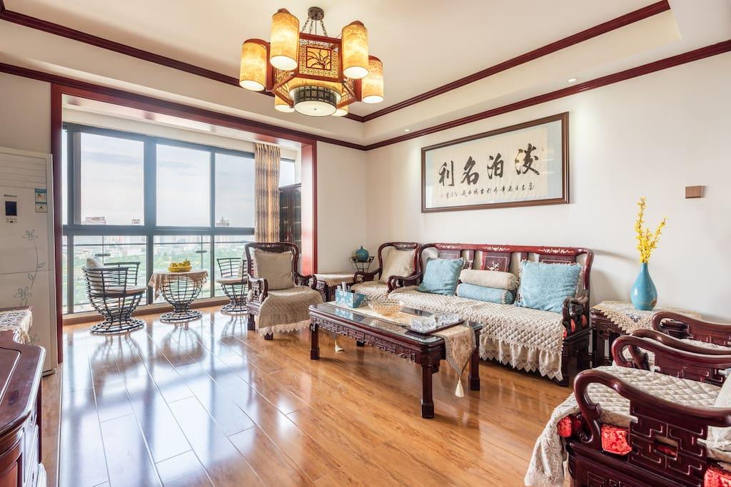 房间中式风格非常适合家庭老人喜爱