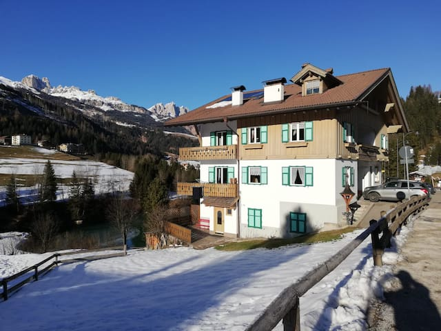 """Charming Holiday Apartment """"Appartamento Catinaccio"""" (CIPAT number: 022118-AT-054662) with Mountain View, Wi-Fi, Balcony & Garden; Parking Available, Pets Allowed upon Request"""