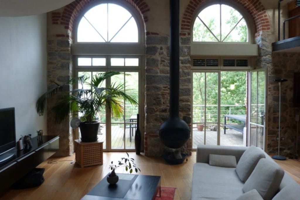 Superbe loft avec terrasse et acc s la rivi re lofts Loft et terrasse