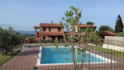 Nieuwe villa op het platteland aan het Trasimenomeer