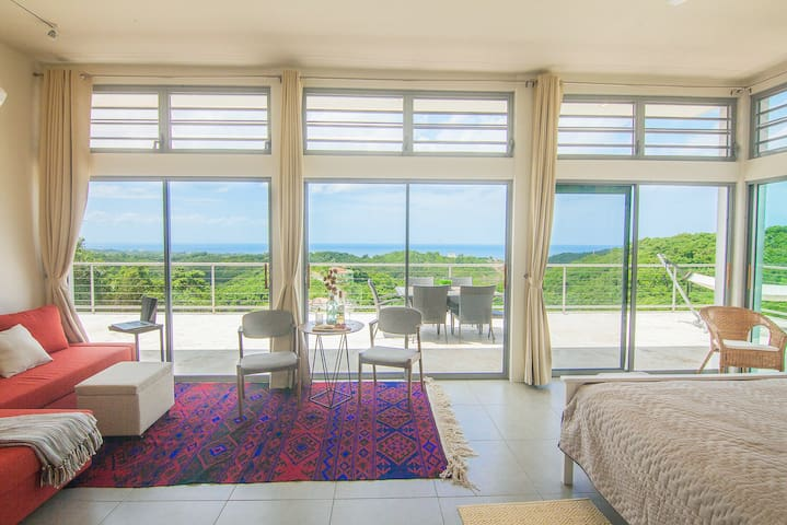 Breathtaking hilltop studio with pool, ocean view - Rincon - Apartment