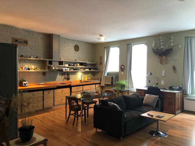 Amazing private appartment downtown Montreal!