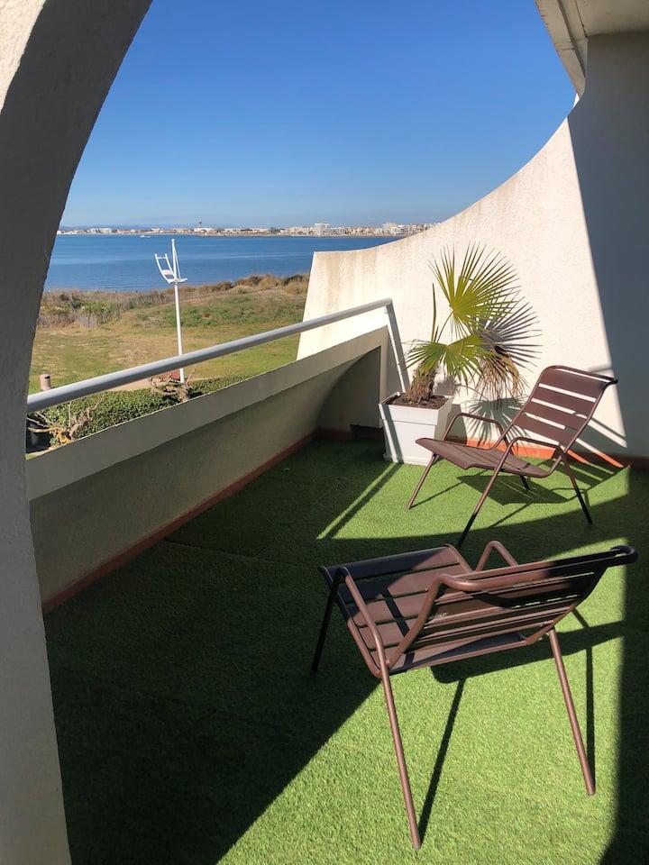 Appartement lumineux deux terrasses vue mer
